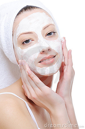 Free Woman Doing Cosmetic Mask Royalty Free Stock Images - 9317769