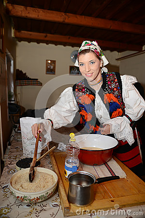 Free Woman Dressed In Traditional Romanian Costume Royalty Free Stock Images - 79215689