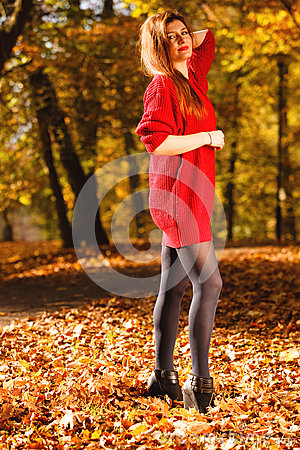 Free Woman Fashion Girl Relaxing Walking In Autumnal Park, Outdoor Royalty Free Stock Photos - 59054058