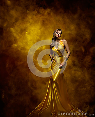 Free Woman Fashion Model Gold Dress, Beauty Girl In Glamour Gown Royalty Free Stock Images - 65903509