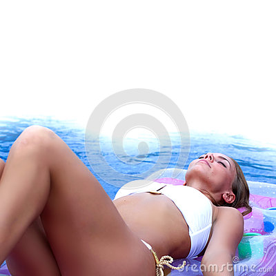 Free Woman Floating In Pool Royalty Free Stock Images - 78923449