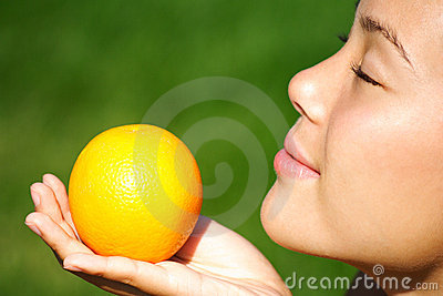 Woman with fruit - orange smell