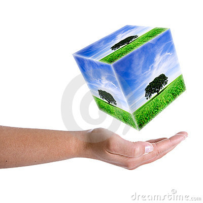 Free Woman Hand Holding Landscape In 3D Cube Royalty Free Stock Photo - 5292635