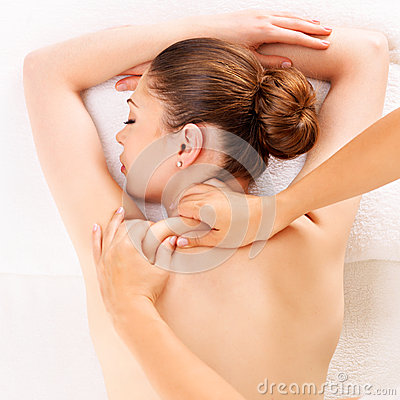 Free Woman Having Massage Of Body In Spa Salon Royalty Free Stock Images - 31576739
