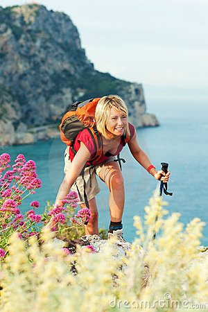 Free Woman Hiking Royalty Free Stock Photography - 9543037