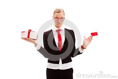 Woman holding blank businesscard and giftbox