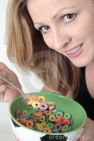 Free Woman Holding Bowl Of Cereal Royalty Free Stock Photography - 481287