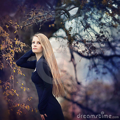 Free Woman In Forest Royalty Free Stock Photography - 16996697