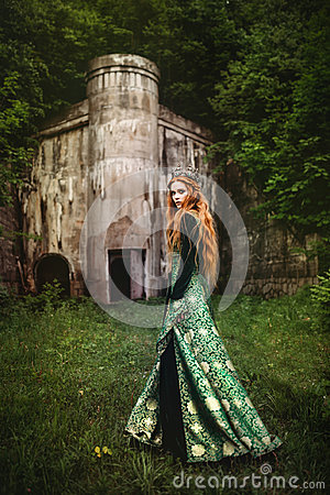 Free Woman In Green Medieval Dress Stock Photo - 96979950