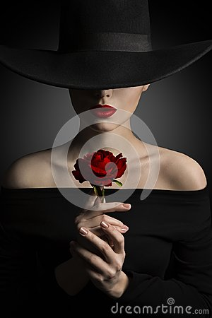 Free Woman In Hat Holding Rose Flower In Hands, Fashion Model Beauty Royalty Free Stock Images - 112958339