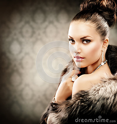 Free Woman In Luxury Fur Coat Stock Photography - 26467372