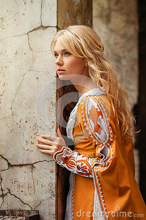 Free Woman In Medieval Dress Stock Images - 73531874