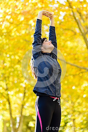 Free Woman In Shape Exercising Outside Royalty Free Stock Images - 27646749
