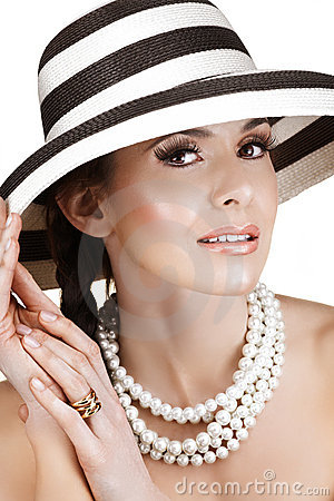 Free Woman In Straw Hat  And Pearls Stock Photos - 5762463