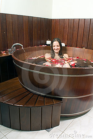 Free Woman In Tub - Vertical Royalty Free Stock Photography - 5509717