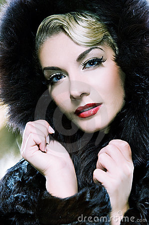 Free Woman In Winter Fur Coat Royalty Free Stock Images - 7690339