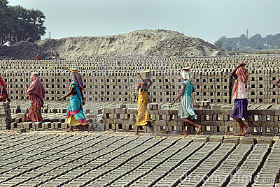 Woman Labour In Indian Brick-field Editorial Stock Image