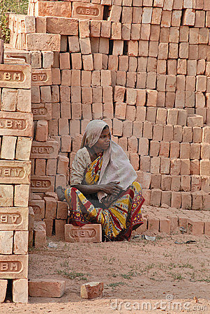 Woman Labour In Indian Brick-field Editorial Photography