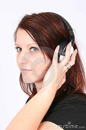 Free Woman Listening To Her Favorite Music Royalty Free Stock Photos - 460418