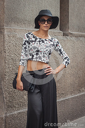 Free Woman Outside Trussardi Fashion Shows Building For Milan Women S Fashion Week 2014 Royalty Free Stock Images - 45270569
