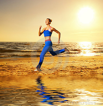 Free Woman Running On A Beach Royalty Free Stock Photography - 6348867