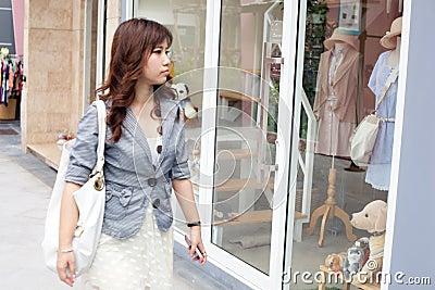 Woman shopping.