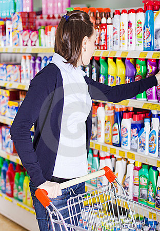 Free Woman Shopping In Grocery Store Royalty Free Stock Images - 17587609