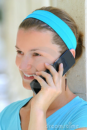 Woman speaking on the mobile phone