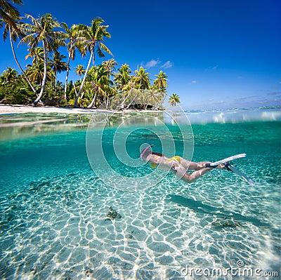 Free Woman Swimming Underwater Stock Photos - 35074193