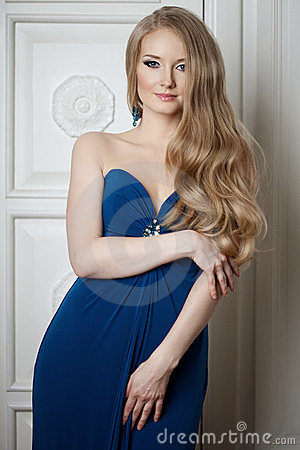 Woman with a volumetric hair
