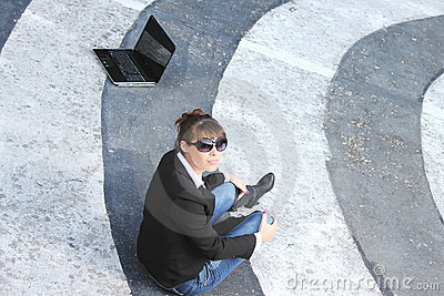 Woman whit the lap top