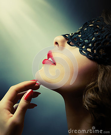 Free Woman With Black Lace Mask Royalty Free Stock Photo - 34260525