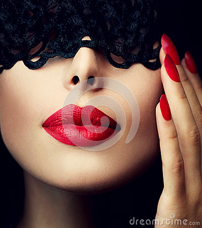 Free Woman With Black Lace Mask Royalty Free Stock Photo - 37916905