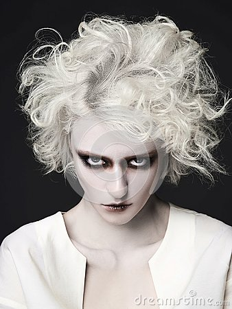 Free Woman With Clown Make-up For Halloween Royalty Free Stock Photos - 102998008