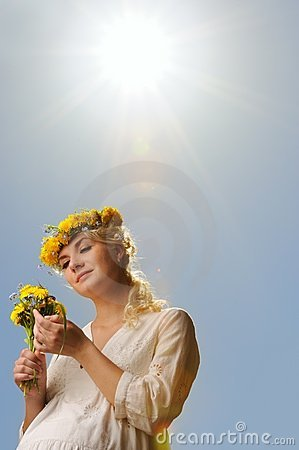 Free Woman With Dandelion Flowers Royalty Free Stock Photography - 14511737