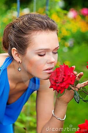 Free Woman With Red Rose Royalty Free Stock Photography - 15648347
