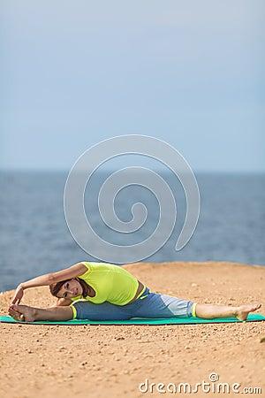 Free Woman Yoga. Series. Outdoor. On The Seashore Royalty Free Stock Photos - 37486598
