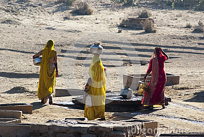 Women carrying water in Rajasthan, India Editorial Stock Image