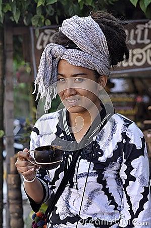 Free Women Hair Asia Pretty Dreadlock Drink Coconut Cup Stock Photos - 20164843