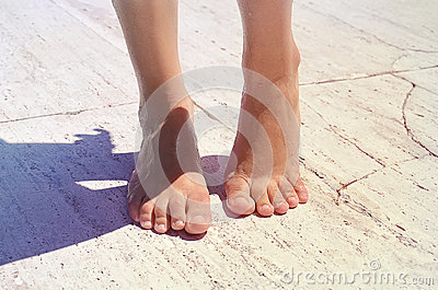 Women s tan feet