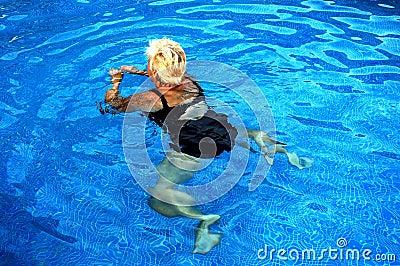 Women swiming