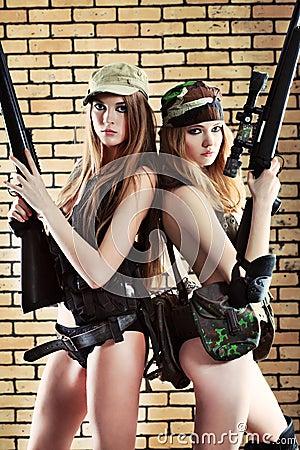 Free Women With Guns Royalty Free Stock Photos - 13352848