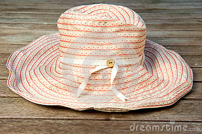 Womn s Sun Hat