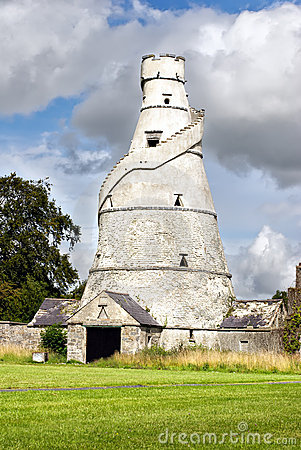 The Wonderful Barn, Ireland