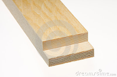 Wood board with sawn edge