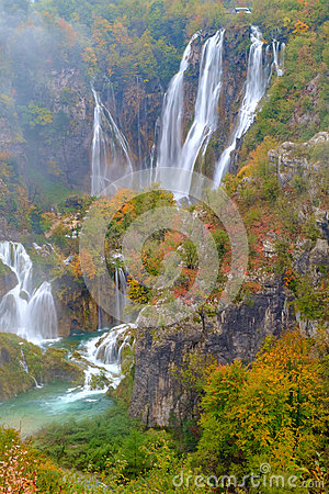 Free Wood Path In The Plitvice National Park In Autumn Royalty Free Stock Photo - 61235155