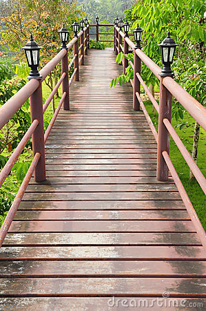 Free Wood Path Over Garden Stock Photo - 19405960