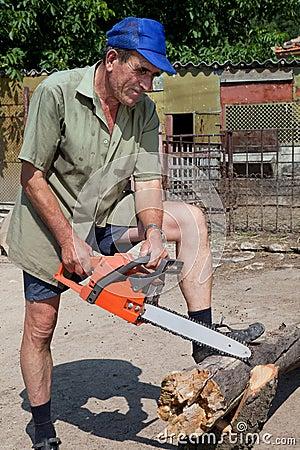 Wood sawing demo