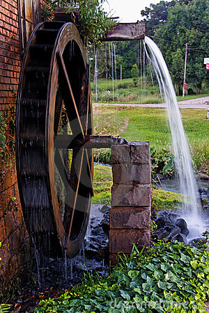 Free Wood Water Mill Stock Image - 5002131