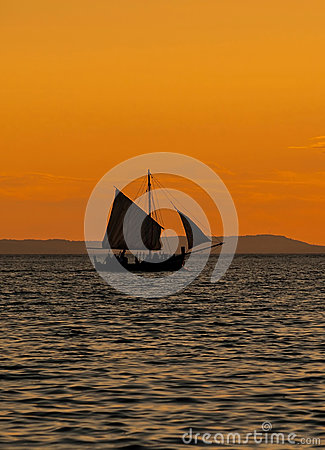 Free Wooden Boat At Sunset Stock Photography - 75890522